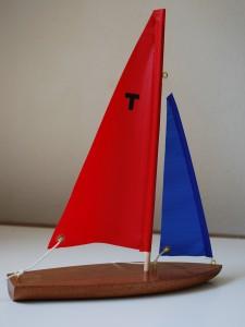 T10 Sailboat